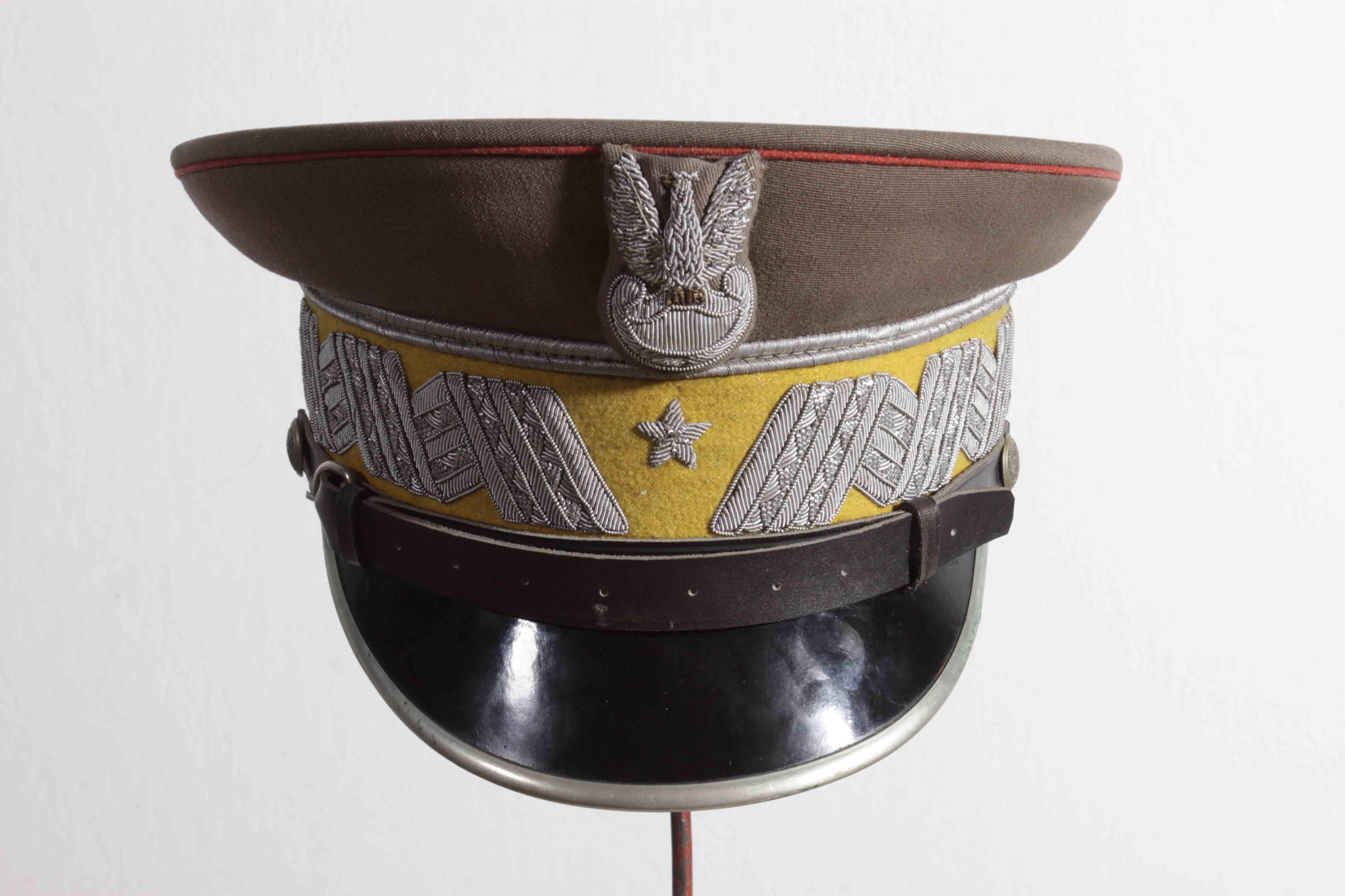 Czapka garnizonowa dowódcy 1. Warszawskiej Dywizji Zmechanizowanej generała brygady Andrzeja Frenia