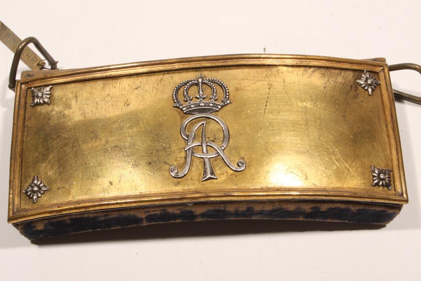 Ładownica jazdy z monogramem AR z I połowy XVIII wieku