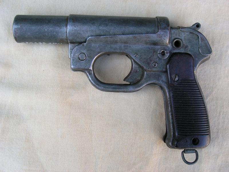 Leuchtpistole 42