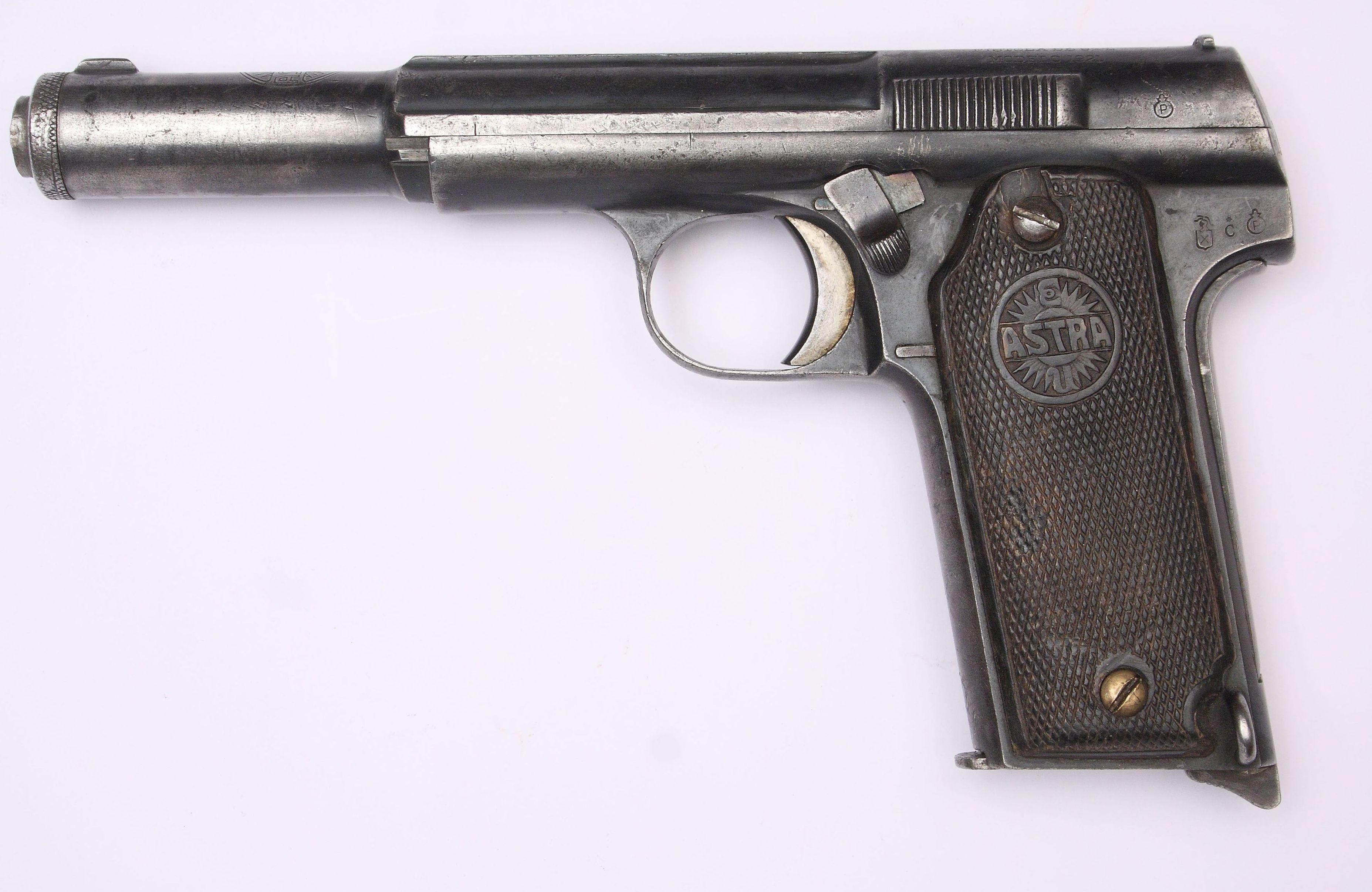 Pistolet Astra 400