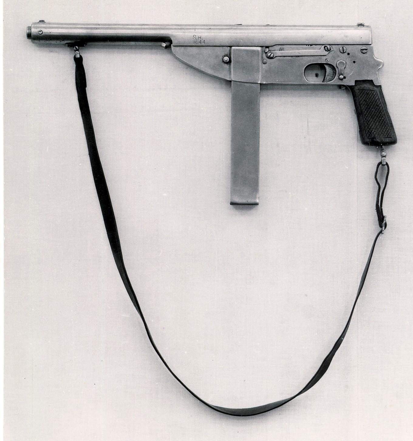 """Pistolet maszynowy """"bechowiec"""""""