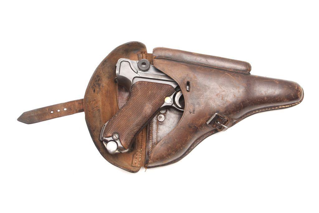 Pistolet P08 Parabellum zdobyty przez por. Tadeusza Rawskiego z 1. Armii Wojska Polskiego