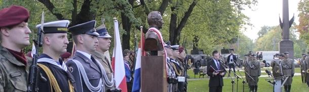Dzień Spadochroniarza - Odsłonięcie popiersia gen. Sosabowskiego
