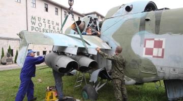 Mi-24 wylądował w Parku Plenerowym