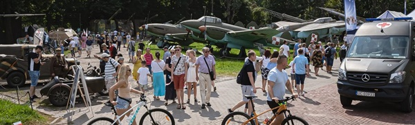 """Piknik wojskowy """"Zostań żołnierzem Rzeczypospolitej"""" w Muzeum Wojska Polskiego"""