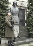 """""""My, Kobiety Żołnierze..."""" - przed pomnikiem gen. Wittek"""
