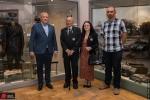 Rodzina generała Maczka z wizytą w muzeum