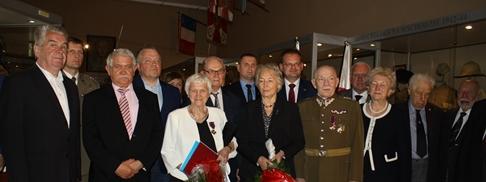 Wręczenie odznaczeń państwowych w sali Muzeum Wojska Polskiego