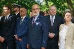 """Złożenie kwiatów przy pomniku Żołnierzy AK Obwód """"Żywiciel"""""""