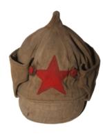"""Czapka żołnierzy Armii Czerwonej zwana """"budionnówką"""" (l. 20. XX w.)."""