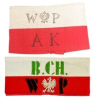 Opaski oddzia��w partyzanckich:  Armii Krajowej (g�rna), Batalion�w Ch�opskich (dolna), (l. 1942-1943).