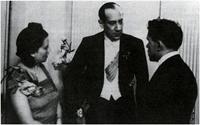 Fotografia, Minister Spraw Zagranicznych RP Józef Beck w rozmowie z ambasadorem ZSRR w Polsce i jego żoną (1939 r.).
